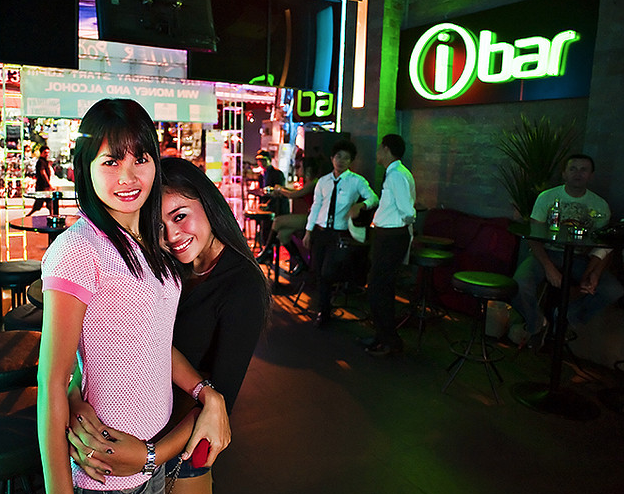 Insomnia and Ibar - One of Walking Street's most popular and busy nightclubs